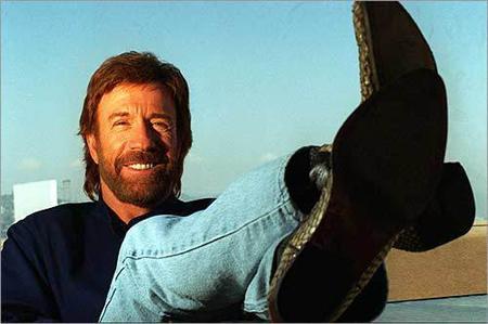 Chuck Norris, el hombre que matará a IP Anónima