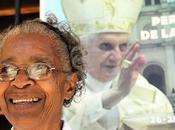 CRÉALO: Emocionada monja cubana planchó sotana Papa...