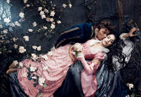 Sleeping-Beauty-Zac-Efron-Vanessa-Hudgens-550x376