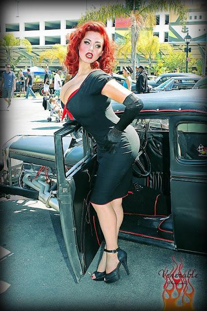 PIN-UP DE LA SEMANA: GIA GENEVIEVE