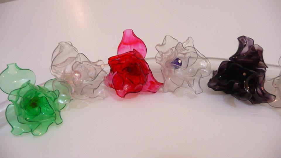 Pin Articulados Hechos Con Botellas De Plastico Reciclado Pelautscom