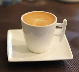 ummmmm no se ... no se. Otra noche más sin café-http://m1.paperblog.com/i/102/1029611/cuatro-cafes-que-invita-el-consejero-L-suoGIV.jpeg