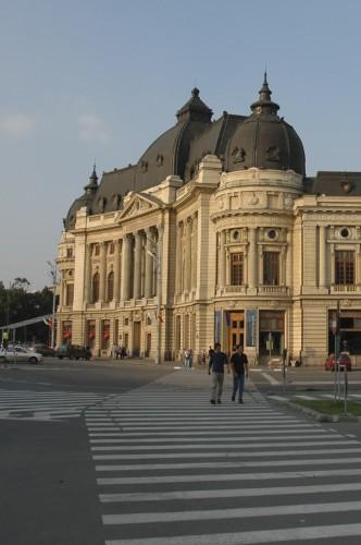 Bucarest, Mezcla de Estlios