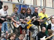 Récord Guinness Wroclaw: siete guitarras 'Hey Joe'