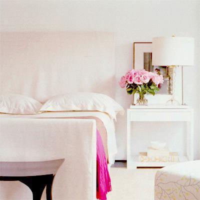 Habitaciones en blanco: luz y flores para un dia lluvioso