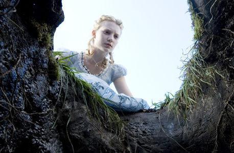 """""""Alicia en el País de las Maravillas"""" – En los límites de lo infumable"""