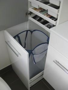 Ikea hack besta vattern a ade al caj n sin frente una puerta paperblog - Mueble ropa sucia ...