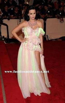 El vestido luminoso de Kate Perry en la MET Costume Institute Gala, en Nueva York