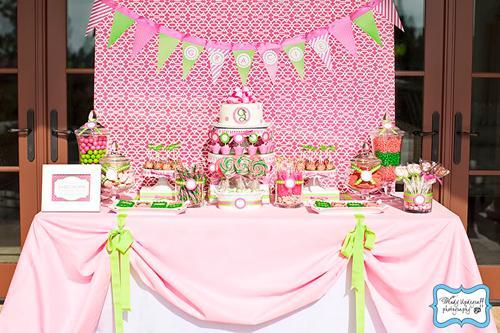 Lunes mesas de dulces manteles paperblog - Imagenes de mesas con manteles ...
