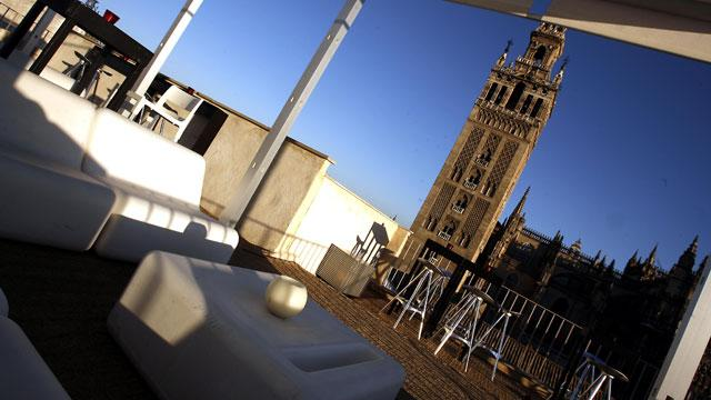 Sevilla en primavera un par de restaurantes y algo mas - Terraza hotel eme ...