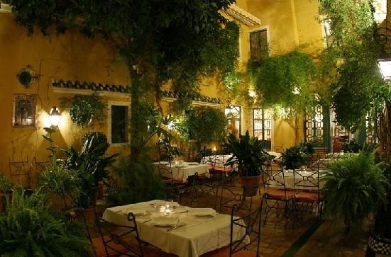 Sevilla en primavera un par de restaurantes y algo mas for Restaurante casa jardin