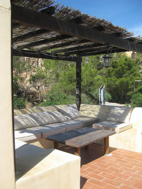 Ibiza rase una terraza con apartamento paperblog for Terrazas ibicencas
