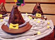 Tarta Bizcocho violetas gorros bruja para Aniversario
