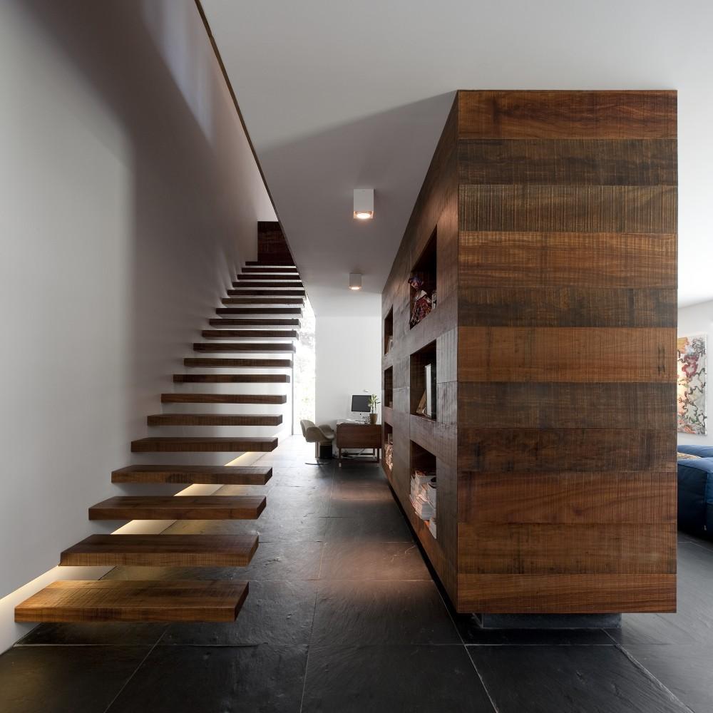 Staircases escaleras paperblog - Escalera de madera interior ...