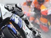 Lorenzo canta bajo lluvia Mans retorno Rossi