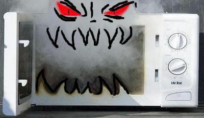 Los peligros de los hornos microondas