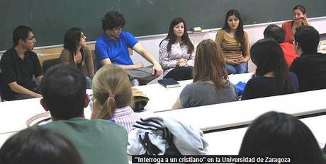 "Estudiantes cristianos se dejan ""interrogar"""
