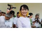 Políticos Myanmar visitan Parlamento Europeo