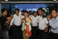Suu Kyi viaja a Tailandia, la primera vez que deja Birmania en 24 años
