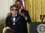 Obama rinde homenaje Dylan