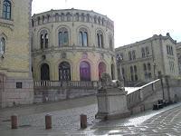 parlamento de oslo, oslo, noruega, vuelta al mundo, round the world, información viajes, consejos, fotos, guía, diario, excursiones