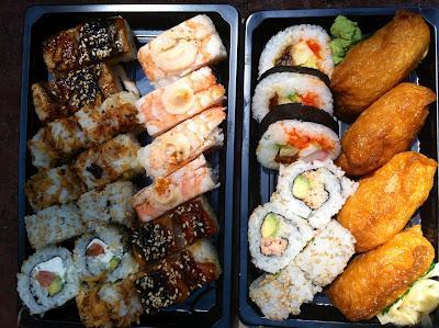 Sushi bodas y palillos a pares paperblog - Bandejas para sushi ...