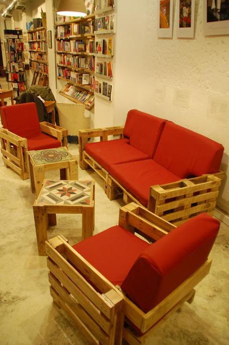 Pallets reciclados en muebles de dise o paperblog for Diseno muebles hechos palets