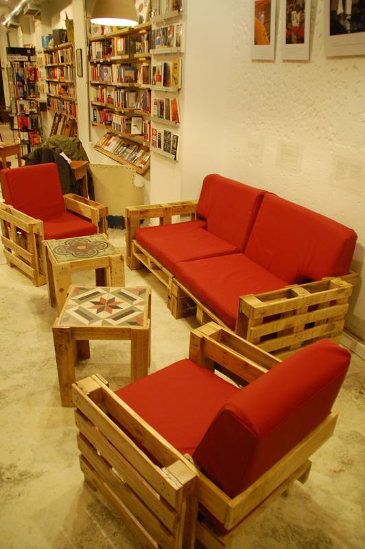 Pallets reciclados en muebles de dise o paperblog - Palet reciclado muebles ...