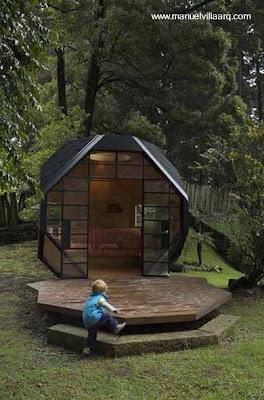 Peque a caba a de madera en el jard n paperblog for Cabanas para jardin