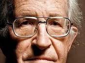 vueltas Noam Chomsky estrategias.