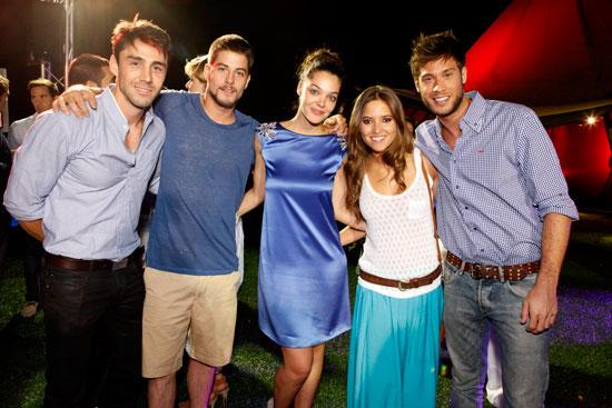 Reparto de Los Protegidos en la Summer Party de Kenzo