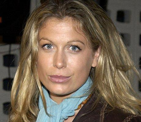 Sonya Walger se une a Admission