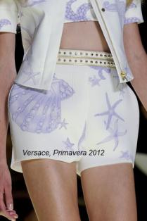 Selena Gómez presentó su perfume en Nueva York, vestida de Versace