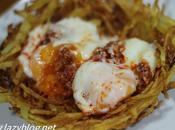 Huevos poché sobrasada nido patatas paja