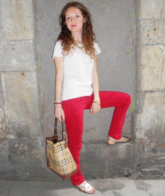 Remix de pantalones rojos