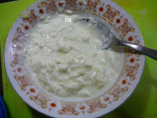 Salsa de yogur, pepino y ajo