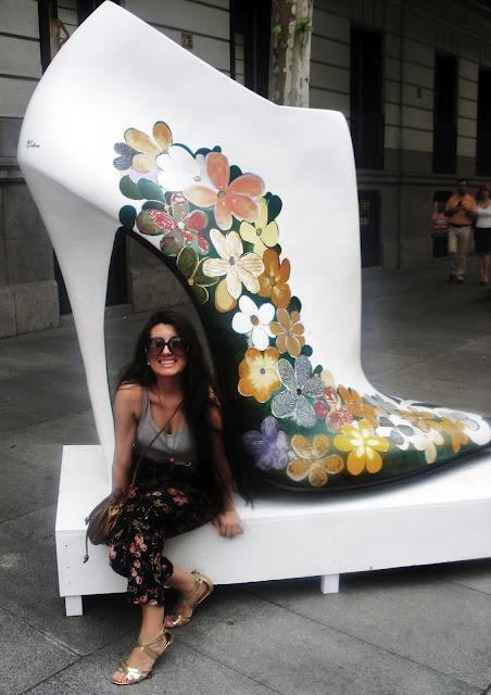 Madrid Sunday Shopping: Shoe Street Art