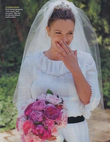 Drew Barrymore se casó vestida de Chanel. Imágenes