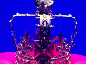 coronas fashion designers para Diamond Jubilee Queen Elizabeth