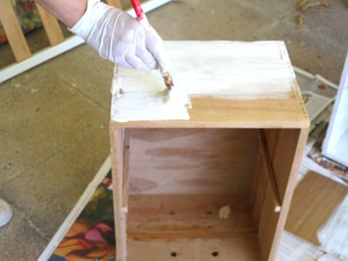 Convierte cajones en mesillas paperblog - Pintura para pintar madera ...