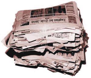 Pulseras hechas con papel reciclado