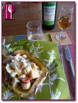 Coctail de fruta y marisco con Gomara Moscatel Málaga