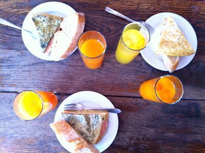 Café Nervión, desayuno de trabajo con amigas y primo incluido!