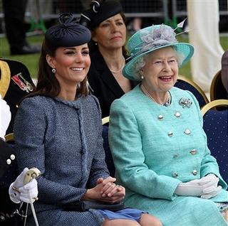 Kate Middleton repite modelo en Nothingham, donde se celebra ahora el 60 Jubileo