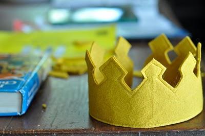 ¡Corona al peque del castillo!