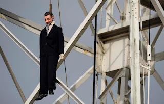 Rajoy ahorcado
