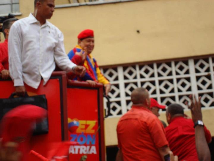 La movilización del lunes acabó con especulaciones sobre la salud del Presidente Chávez.