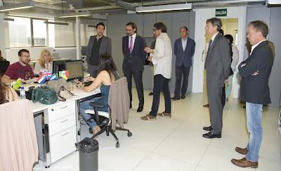El Director General de Empleo visita los estudios de Globomedia.