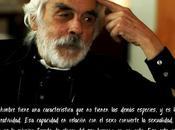 Armando Robles-Godoy reflexionando acerca creatividad amor