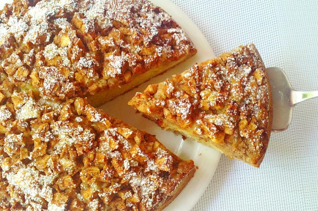 Bizcocho de manzanas y almendras paperblog for Bizcocho de yogur y almendra
